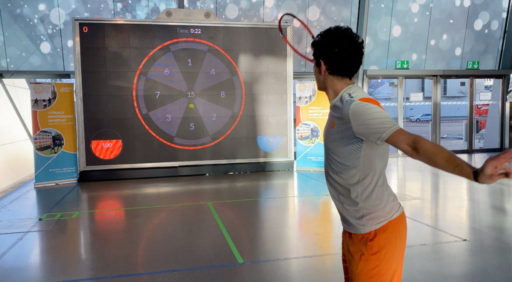 Tennis Player improving accuracy on MultiBall